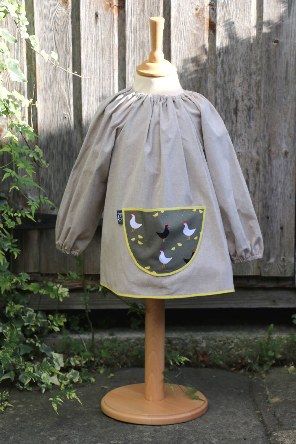 Traditional children's cotton art smock - Chickens